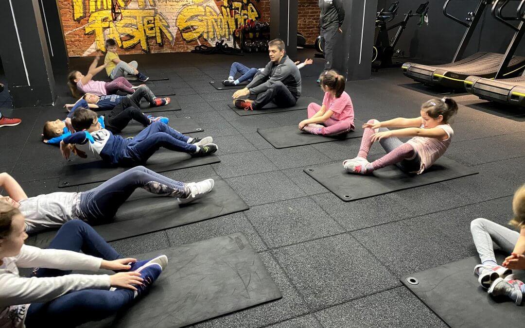 Коремните мускули: защо и как да ги тренираме при децата